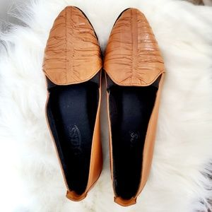 Bass - upper leather flats
